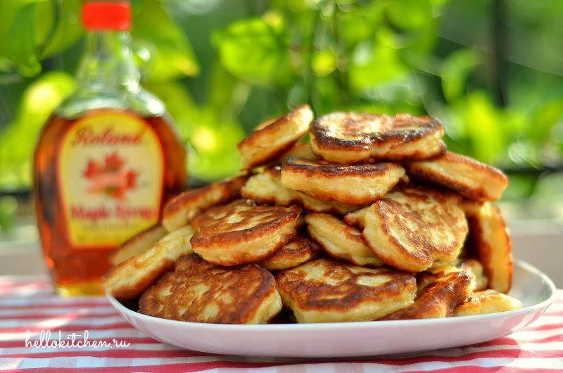 Дрожжевые оладьи с яблоками2