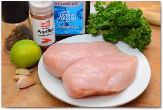 Салат с курицей и грибами и жаренным луком