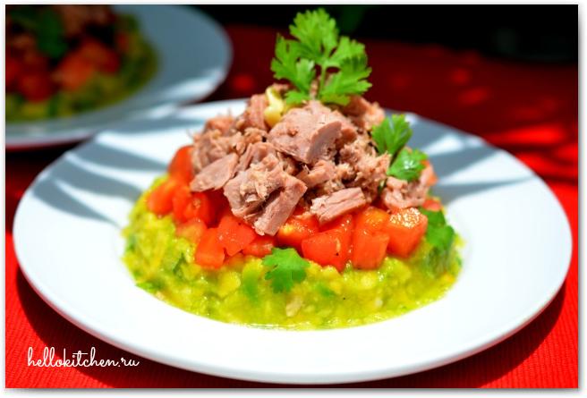 Салат с тунцом и авокадо 9-